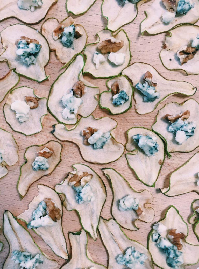 chips de poire, bleu et noix
